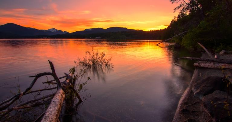 Sproat Lake, Vancouver Islandphoto c/o souvenirpixels.com
